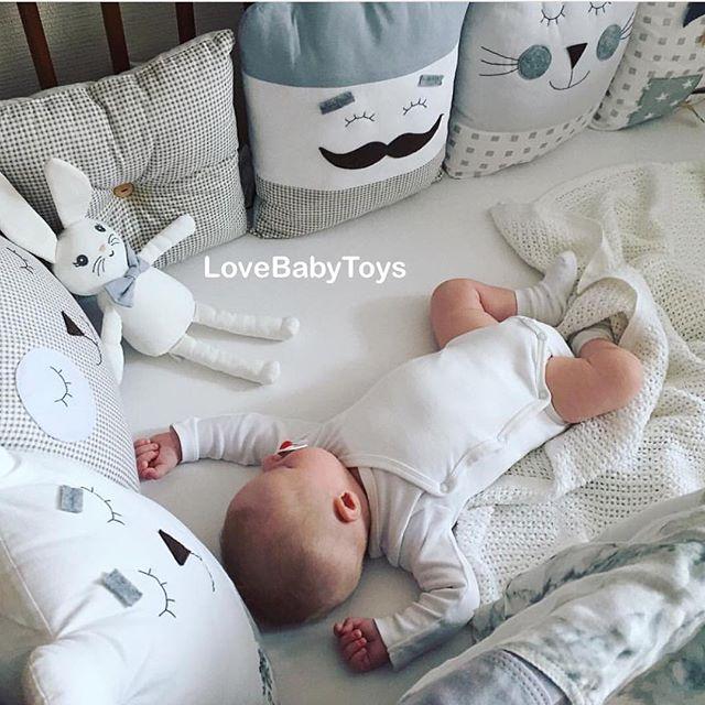 Аксессуары для Новорожденных купить в СПб в детском магазине Piccolo для малышей, все в кроватку и комнату для самых маленьких.
